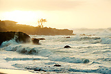 USA, Hawaii, scenic view of the North Shore and the pacific ocean at dusk, Waimea Bay, Oahu