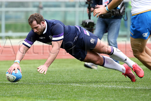 17th March 2018, Stadio Olimpico, Rome, Italy; NatWest Six Nations rugby, Italy versus Scotland; Fraser Brown of Scotland scores a try