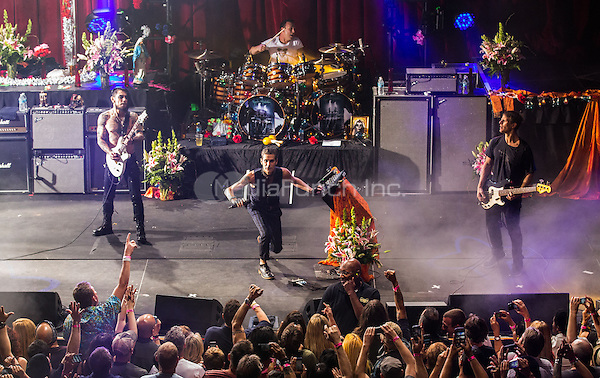 LAS VEGAS, NV - May 10 : Jane's Addiction performs at Brooklyn Bowl Las Vegas at The Linq in Las Vegas, NV on May 10, 2014. Credit: RTNEK/MediaPunch ***HOUSE COVERAGE***