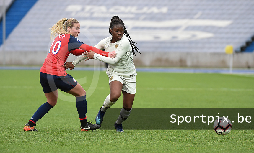 20190113 - LILLE , FRANCE : LOSC's Heloise Mansuy (L) and PSG's Sandy Baltimore (R) pictured during women soccer game between the women teams of Lille OSC and Paris Saint Germain  during the 16 th matchday for the Championship D1 Feminines at stade Lille Metropole , Sunday 13th of January 2019,  PHOTO Dirk Vuylsteke | Sportpix.Be