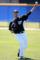 March 1, 2010:  Pitcher Brett Cecil (27) of the Toronto Blue Jays during practice at Englebert Complex in Dunedin, FL.  Photo By Mike Janes/Four Seam Images