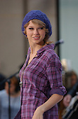 Oct 26, 2010: TAYLOR SWIFT - NBC TODAY SHOW - New York USA
