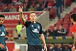 04.11.2018, Opel-Arena, Mainz, GER, 1 FBL, 1. FSV Mainz 05 vs SV Werder Bremen, <br /> <br /> DFL REGULATIONS PROHIBIT ANY USE OF PHOTOGRAPHS AS IMAGE SEQUENCES AND/OR QUASI-VIDEO.<br /> <br /> im Bild: Peace / Zwei Finger von Niklas Moisander (SV Werder Bremen #18)<br /> <br /> Foto © nordphoto / Fabisch
