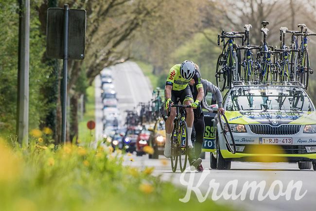helped back on teh road by the team car after a flat<br /> <br /> 57th Brabantse Pijl - La Fl&egrave;che Braban&ccedil;onne (1.HC)<br /> 1 Day Race: Leuven &rsaquo; Overijse (197km)