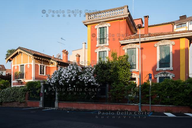 Venezia - Il Lido. Itinerario Liberty in via Grimani.