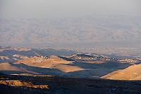 Asie/Israël/Judée/Jérusalem: Village palestinien et horizon vers la mer Morte depuis le mont