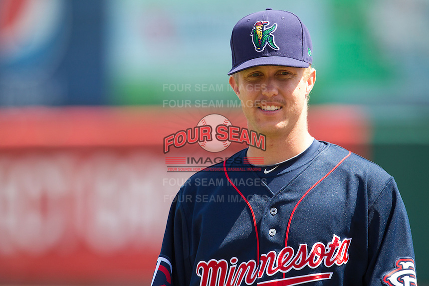 Cedar Rapids Kernels pitcher David Hurlbut #45 looks on prior to a game against the Lansing Lugnuts at Veterans Memorial Stadium on April 30, 2013 in Cedar Rapids, Iowa. (Brace Hemmelgarn/Four Seam Images)