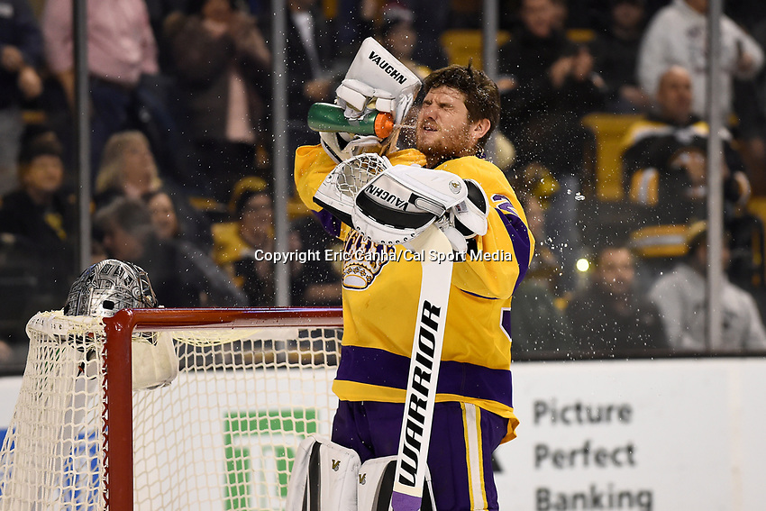 Tuesday, February 9, 2016: Los Angeles Kings goalie Jonathan Quick (32) gets ready for the start of the National Hockey League game between the Los Angeles Kings and the Boston Bruins, held at TD Garden, in Boston, Massachusetts. The Kings defeat the Bruins 9-2. Eric Canha/CSM
