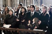 Milano: Paolo Jannacci Giuliana Orefice (seconda da sx) partecipano ai funerali di Enzo Jannacci in Sant Ambrogio