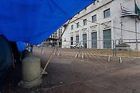 SÃO PAULO,SP, 06.10.2015 - ACAMPAMENTO-SP - Movimento de moradia para todos permanecem acampados em frente a sede da Prefeitura de São Paulo no viaduto do Chá região central da capital paulista nesta terça-feira 06. (Foto: Fernando Nascimento/Brazil Photo Press)