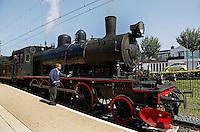 Valkenburg-  Stoomtrein staat bij het station