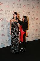 SAO PAULO. 30 DE AGOSTO DE 2012. HAIR FASHION SHOW. A atriz Isabelle Drumond e o cabelereiro Celso Kamura durante o Hair Fashion Show, evento em que sao apresentadas as ultimas tendencias em cortes e penteados de cabelo em desfile no WTC, na zona sul da capital paulista. FOTO ADRIANA SPACA - BRAZIL PHOTO PRESS