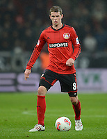 FUSSBALL   1. BUNDESLIGA   SAISON 2012/2013    20. SPIELTAG Bayer 04 Leverkusen - Borussia Dortmund                  03.02.2013 Lars Bender (Bayer 04 Leverkusen) Einzelaktion am Ball