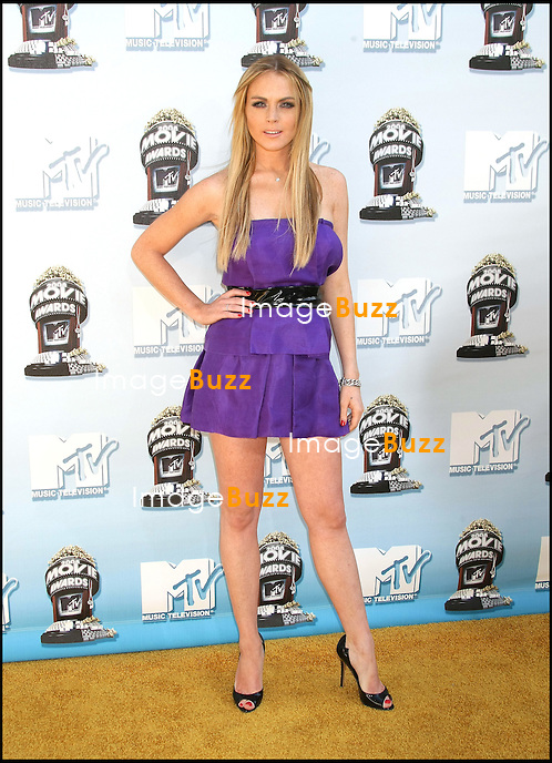 LINDSAY LOHAN - SOIREE DES MTV MOVIE AWARDS 2008 A L' AMPHITHEATRE GIBSON D' UNIVERSAL CITY..2008 MTV Movie Awards, Gibson Amphitheatre Universal City, California
