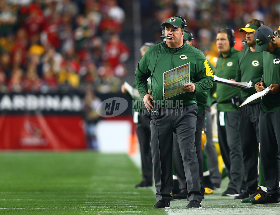 Dec 27, 2015; Glendale, AZ, USA; Green Bay Packers head coach Mike McCarthy on the sidelines in the second half against the Arizona Cardinals at University of Phoenix Stadium. The Cardinals defeated the Packers 38-8. Mandatory Credit: Mark J. Rebilas-USA TODAY Sports