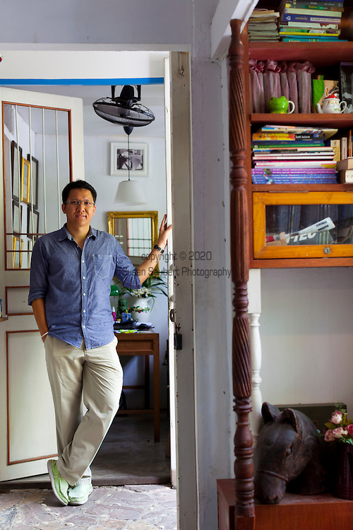 Samsen 5 Lodge is owned and operated by award winning architect Worapan Klampaiboon. Worapan has championed Bangkokers who want to convert old warehouses, schools and industrial buildings into guesthouses.  The 3 room Samsen 5 guesthouse was once a garage.  Pictured here is Worapan Klampaiboon.