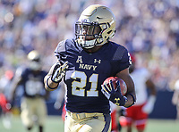 Annapolis, MD - September 23, 2017: Navy Midshipmen running back Tre Walker (21) in action during the game between Cincinnati and Navy at  Navy-Marine Corps Memorial Stadium in Annapolis, MD.   (Photo by Elliott Brown/Media Images International)