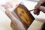 """Foto: VidiPhoto<br /> <br /> LAAG SOEREN – Een workshop Middeleeuwse Miniaturen in Laag Soeren. """"Iets nieuws leren"""" zou helpen tegen een winterdip."""