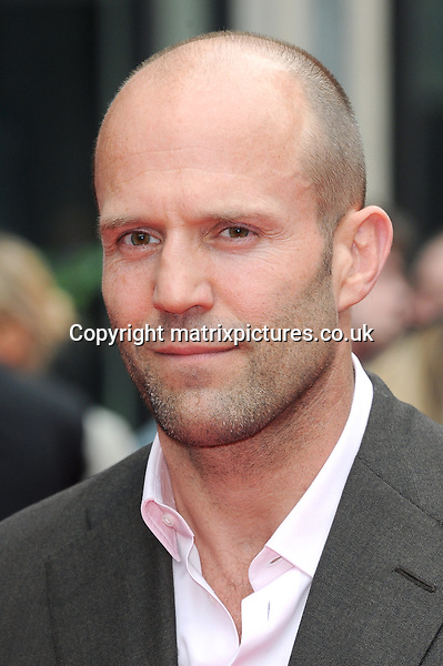 NON EXCLUSIVE PICTURE: PAUL TREADWAY / MATRIXPICTURES.CO.UK<br /> PLEASE CREDIT ALL USES<br /> <br /> WORLD RIGHTS<br /> <br /> English actor Jason Statham attending the UK premiere of Hummingbird at London's Odeon West End.<br /> <br /> 17th JUNE 2013<br /> <br /> REF: PTY 134125
