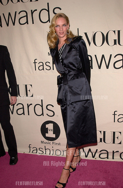 Actress UMA THURMAN at the VH1/Vogue Fashion Awards in New York..20OCT2000. © Paul Smith / Featureflash