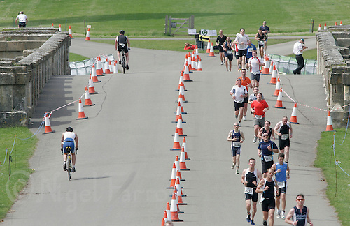 03 JUN 2007 - BLENHEIM PALACE, UK - Blenheim Triathlon. (PHOTO (C) NIGEL FARROW)