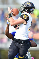 Newark, DE - OCT 29, 2016: Towson Tigers wide receiver Christian Summers (25) pulls in a sideline catch during game between Towson and Delaware at Delaware Stadium Tubby Raymond Field in Newark, DE. (Photo by Phil Peters/Media Images International)