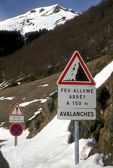 Sign, avalanche warning, falling rock, Pyrenees National Park, Aquitaine, France, Europe