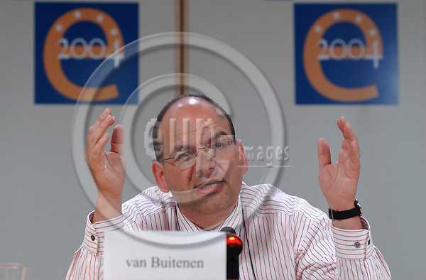 Brussels-Belgium - July 06, 2004---Dutch MEP Paul van BUITENEN, on the list of 'Europa Transparant' recently elected to the European Parliament, holds a press conference in the press room of the EP in Brussels to explain his reasons why he will join the Green/EFA (European Free Alliance) group for the next period of the EP---Photo: Horst Wagner/eup-images