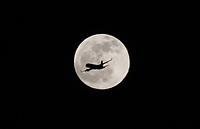 BOGOTA -COLOMBIA , 5- 09-2017.Visperas de la Luna llena y de la llegada del papa Francisco.Visperas of the Full Moon and the arrival of Pope Francisco. Photo: VizzorImage / Felipe Caicedo / Staff