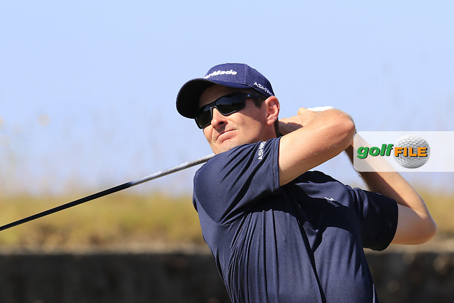 Justin Rose (ENG) tees off the 18th tee during Wednesday's Practice Day of the 2015 U.S. Open 115th National Championship held at Chambers Bay, Seattle, Washington, USA. 6/17/2015.<br /> Picture &copy; Golffile/Eoin Clarke