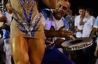 SÃO PAULO, SP, 03 DE FEVEREIRO DE 2013 - ENSAIO TÉCNICO IMPÉRIO DE CASA VERDE - Madrinha da Bateria Andréia Andrade durante ensaio técnico da Escola de Samba Império de Casa Verde na preparação para o Carnaval 2013. O ensaio foi realizado na noite deste domingo (03) no Sambódromo do Anhembi, zona norte da cidade. FOTO LEVI BIANCO - BRAZIL PHOTO PRESS