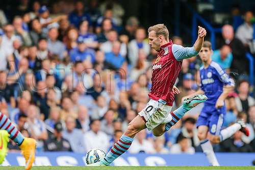 27.09.2014.  London, England. Barclays Premier League. Chelsea versus Aston Villa from Stamford Bridge. Andreas Weimann of Aston Villa shoots from distance.