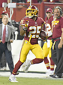 Washington Redskins running back Chris Thompson (25) carries the ball for a long gain in the third quarter against the Oakland Raiders at FedEx Field in Landover, Maryland on Sunday, September 24, 2017.  The Redskins won the game 27-10.<br /> Credit: Ron Sachs / CNP