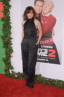 WESTWOOD, CA - NOVEMBER 5: Linda Cardellini at the premiere of Daddy's Home 2 at the Regency Village Theater in Westwood, California on November 5, 2017. Credit: David Edwards/MediaPunch