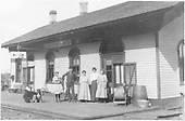 A group posing at the La Veta Pass depot.<br /> D&amp;RG  La Veta Pass (Later Fir), CO  Taken by Lively, Ken R.