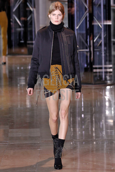 Anthony Vaccarello<br /> <br /> Paris - Inverno 2016<br /> <br /> <br /> foto: FOTOSITE