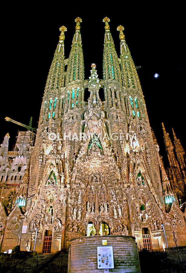 Fachada da Igreja Sagrada Família em Barcelona. Espanha. 1998. Foto de Renata Mello.