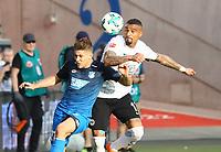 Kevin-Prince Boateng (Eintracht Frankfurt) setzt sich gegen Andrej Kramaric (TSG 1899 Hoffenheim) durch - 08.04.2018: Eintracht Frankfurt vs. TSG 1899 Hoffenheim, Commerzbank Arena