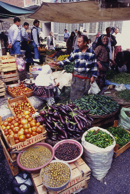 Asia, TUR, Turkey, Aegean Sea, Aegean, Tire, Market, Marketplace, Vegetable....[ For each utilisation of my images my General Terms and Conditions are mandatory. Usage only against use message and proof. Download of my General Terms and Conditions under http://www.image-box.com or ask for sending. A clearance before usage is necessary...Material is subject to royalties. Each utilisation of my images is subject to a fee in accordance to the present valid MFM-List...Contact | archive@image-box.com | www.image-box.com ]