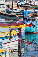 Europe/France/Provence-Alpes-Côte d'Azur/Alpes-Maritimes/ Nice: Le Port Lympia ou port de Nice, pointus   // Europe, France, Provence-Alpes-Côte d'Azur, Alpes-Maritimes, Nice:  Lympia port or port of Nice, pointus local fishing boats