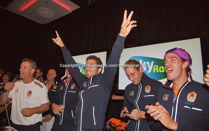 14-sept.-2013,Netherlands, Groningen,  Martini Plaza, Tennis, DavisCup Netherlands-Austria, ,  Team celebration, Ltr: captain Jan Siemerink,Jean-Julien Rojer, Robin Haase, Thiemo de Bakker and Jesse Huta Galung <br /> Photo: Henk Koster