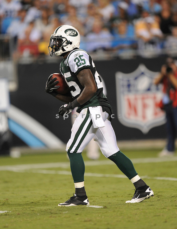 JOE MCKNIGHT, of the New York Jets in action during the Jets game against the Carolina Panthers  at Bank of America Stadium in Charlotte, N.C.  on August 21, 2010.  The Jets beat the Panthters 9-3 in the second week of preseason games...