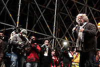 Beppe Grillo.Roma 22/02/2013 Piazza San Giovanni. Tappa coclusiva dello Tsunami Tour e chiusura della campagna elettorale del Movimento 5 stelle..Elections 2013, Closing of the campaign of ' Movment 5 stars' .Photo Samantha Zucchi Insidefoto