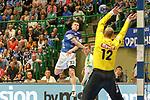 BHCs Jeffrey Boomhouwer (Nr.32) mit einem Sprungwurf gegen Leipzigs Rene Villadsen (Nr.12)  im Spiel der Handballliga, Bergischer HC - SC DHFK Leipzig.<br /> <br /> Foto &copy; PIX-Sportfotos *** Foto ist honorarpflichtig! *** Auf Anfrage in hoeherer Qualitaet/Aufloesung. Belegexemplar erbeten. Veroeffentlichung ausschliesslich fuer journalistisch-publizistische Zwecke. For editorial use only.