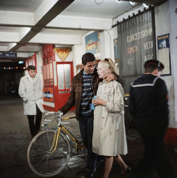 Les parapluies de Cherbourg de Jacques Demy avec Nino Castelnuovo et Catherine Deneuve 1964 (Palmed'or1964)