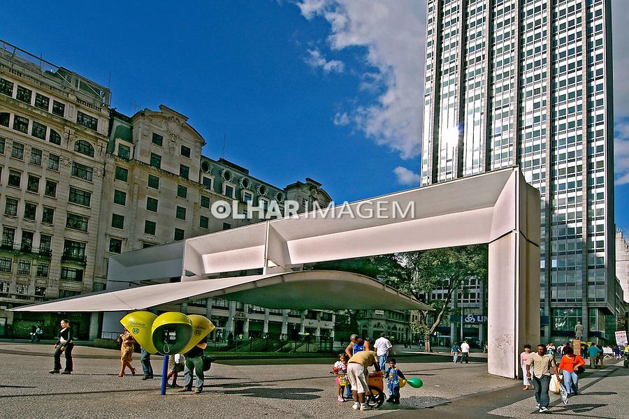Praça do Patriarca. São Paulo. 2006. Foto de Juca Martins.