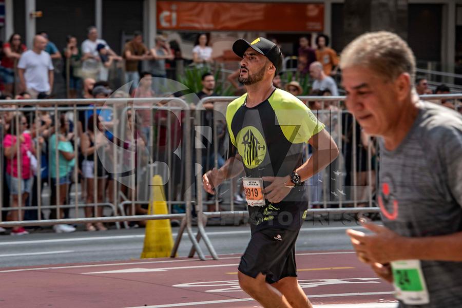 SÃO PAULO, SP, 31.12.2018 - SÃO-SILVESTRE - Maratonistas durante a Corrida Internacional de São Silvestre na Avenida Paulista em São Paulo nesta segunda-feira, 31. (Foto: Bruna Grassi/Brazil Photo Press)