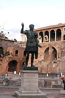 ROMA-ITALIA- 31-08-2012. Foro de Cesar en Roma, Italia, agosto 31 de 2012. Forum of Caesar in Rome Italy on August 31, 2012. (Photo: VizzorImage/Luis Ramirez).....