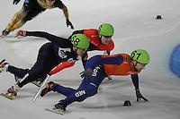 SCHAATSEN: DORDRECHT: Sportboulevard, Korean Air ISU World Cup Finale, 11-02-2012, Vladimir Grigorev RUS (68), Guillaume Bastille CAN (6), Niels Kerstholt NED (61), ©foto: Martin de Jong