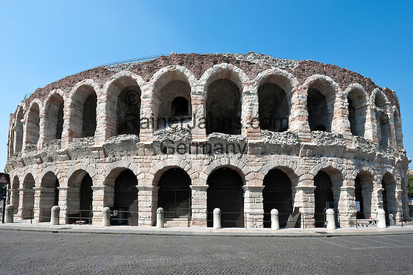 Italy, Veneto, Province Capital Verona: Amphitheatre Arena di Verona | Italien, Venetien, Provinzhauptstadt Verona: Amphitheater Arena di Verona